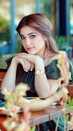 17 Beautiful Face Girls Ever – Beautiful Girlzs Beautiful Girl Photo, Cute Girl Photo, Beautiful Girl Indian, Beautiful Clothes, Stylish Girl Images, Stylish Girl Pic, Cute Beauty, Beauty Full Girl, Beauty Girls
