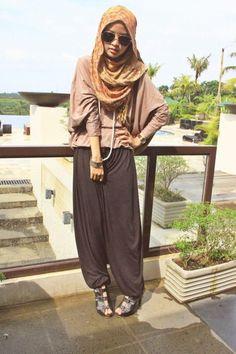 To Buy A Recliner ShahrazadeShahrazade Hajib Fashion, Modest Fashion, Fashion Pants, Womens Fashion, Islamic Fashion, Muslim Fashion, Simple Hijab, Hijab Collection, Fashion And Beauty Tips
