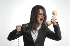 Operatori telefonici nel mirino di Agcom: sanzioni in arrivo