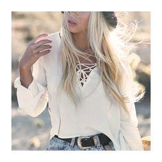Alerta de tendência! O Lace Up, ou amarrações e trançados, tem pegada setentinha e vai fazer a cabeça das fashionistas neste inverno, aposte!  #laceup #trendalert #tendencia #moda #modaparameninas #style #estilo #love #instablog #fashion #fashionblog