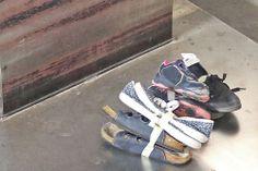 14 – Falls sich also in einem Karton nicht mehr verwertbare Schuhe befinden, werden diese aussortiert und gewogen.