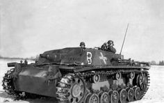 This is a Stug III B, note the drive sprockets with the round mud holes, the placement of the from return roller. The later B-G series front return roller was moved forward. Battle Of Moscow, Ww2 Pictures, War Thunder, Ww2 Tanks, World Of Tanks, Military Equipment, German Army, Military History, Tanks