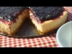 Tarta de queso con mermelada de moras preparada en horno solar. Más información en: http://www.gastronomiasolar.es/2011/06/tarta-de-queso.html