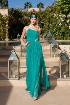 Seducción, lujo y misterio con la colección fiesta Mata Hari de Sonia Peña #vestidos #moda #tendencias
