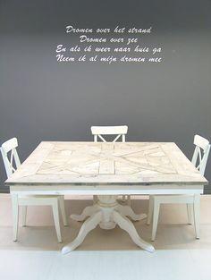 Tafel maison mozaiek vierkant en white wash onderstel.
