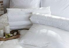 Comment blanchir un oreiller qui a jauninoté 3.3 - 61 votes Entre les dormeurs qui bavent, qui tètent leur oreiller, qui transpirent, car ils rêvent qu'ils sont poursuivis ou qu'ils font la course et le sébum de la peau, la nuit n'est pas de tout repos pour vos oreillers. Ainsi, rien d'étonnant à ce qu'ils … More