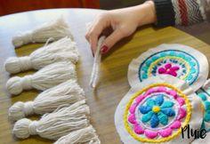 Cheap Hobby Ideas Projects - Hobby Ideen Basteln - - - Relaxing Hobby For Women Embroidery Needles, Hand Embroidery Patterns, Ribbon Embroidery, Embroidery Art, Crochet Triangle, Crochet Cross, Handmade Bed Sheets, Embroidered Quilts, Art Bag