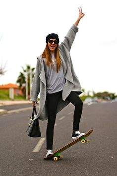 STRIKE A POSE http://marilynsclosetblog.blogspot.com.es/2014/03/strike-pose.html #skate #stylishskater #marilynscloset #fashionblogger #fashion #blog #skate #spanishblogger