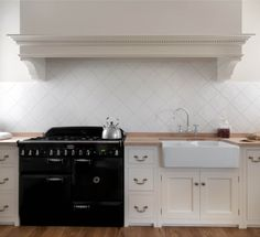 Monticello Kitchen by Homewood Bespoke: la classica cucina in ...