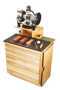 Ultimate Sharpening Station: Everything you need to make a razor-sharp edge is right at your fingertips.