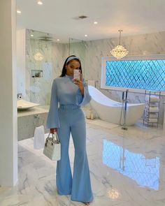 I would rock this as a casual or classy outfit. Mode Outfits, Chic Outfits, Trendy Outfits, Girl Outfits, Fashion Outfits, Classy Outfits For Women, Races Fashion, Fashion Clothes, Fashion Ideas