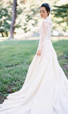 Other 4: buy this dress for a fraction of the salon price on PreOwnedWeddingDresses.com
