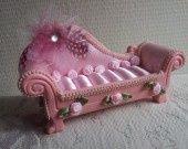 baguier canapé romantique : Presentoir, boîtes par dentelles-et-fanfreluche sur ALittleMarket