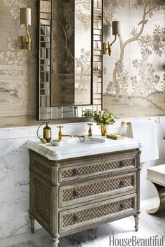 Be Inspired By This Luxury Bathroom Inspiration In Manhattan – Marble Bathroom Dreams Powder Room Decor, Powder Room Design, Powder Rooms, Bad Inspiration, Bathroom Inspiration, Gracie Wallpaper, Wc Decoration, Bathroom Light Fixtures, Small Bathroom