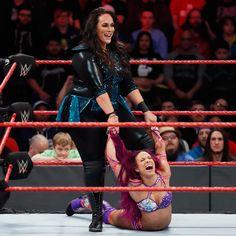 After weeks of being beaten down by Nia Jax, could Sasha Banks overcome her tormentor at WWE Fastlane? Ufc Women, Sexy Women, Wwe Pictures, Wwe Women's Division, Trish Stratus, Nia Jax, Wwe Girls, Sasha Bank, Wwe Womens