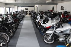 EN: PVC modular Flooring mounted in garage. RO: Pardoseala PVC montata intr-un garaj. Garage Flooring, Industrial