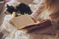 Есть книги, для прочтения которых необходимо всего пару часов, при этом в памяти они остаются навсегда. Размер, как мы знаем, не имеет значения, главное — это содержание. От этих книг вы не сможете от