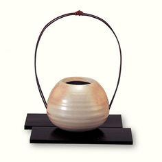 Small Ball Flower Vase (w/Flower Base)