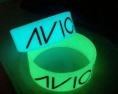 Get your very own Glow in the Dark Avicii Bands and make a Statement!
