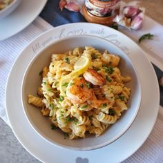 A delicious Sun-dried Tomato and Parmesan Prawn Pasta from Aaisha Kolia of foodie_fantisserie. Creamy, easy to prepare, and packed with delicious flavours! This dish is the perfect way to warm up in the colder weather and will definitely impress everyone.