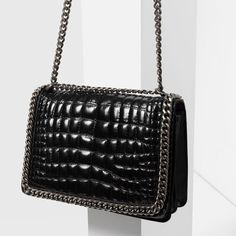 Image 4 of CHAIN CITY BAG from Zara