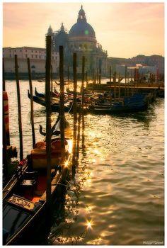 Venice #cabinmax http://cabinmax.com/en/leisure/45-waterproof-rucksack-0616983191927.html