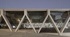 diagonal concrete structure columns