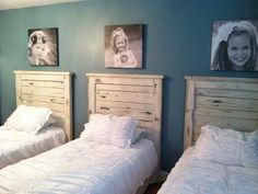 Pallet headboards. Yes with black and whites - LOVE
