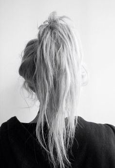 Classic loose high ponytail for women