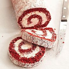 This pretty Red Velvet Cake Roll recipe is a sweet treat for Valentines Day birthdays or Christmas. Try it for a fun new twist on homemade red velvet cake. Homemade Red Velvet Cake, Red Velvet Cake Roll, Red Velvet Roll Recipe, Cake Roll Recipes, Healthy Cake Recipes, Dessert Healthy, Diabetic Recipes, Diabetic Foods, Diet Recipes