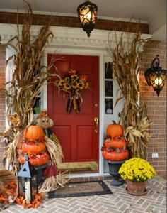 Great ideas-love the pumpkin topiaries!