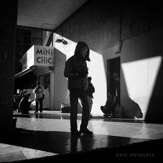 #smellofmarseille . #marseille #biancoenero #blackandwhitephotography #blackandwhite #streetphotography #streetphoto  #bnw #igersbnw #marseillerebelle #massalia #instamarseille #igersfrance #igersmarseille #planetemars #laviesurmars #revelateurphoceen #choosemarseille #marseille_focus_on #bnw_marseillecity #IC_bw #bnw_demand #noir_shots #everybodystreet