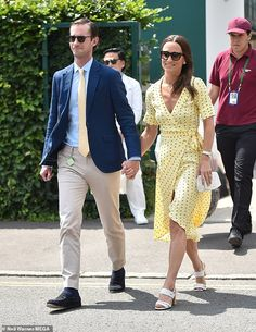 The Duchess of Cambridge's younger sister Pippa Middleton was spotted at the 2019 Wimbledon with her husband James Mathews. The socialit. Pippa Middleton Dress, Middleton Family, Pippa And James, Looks Chic, Wrap Dress Floral, West London, British Style, British Royals, Wimbledon