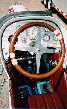 http://www.milleroffy.com/miller_boyle_valve_cockpit_web.jpg