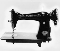The first product of Toyota – Toyota was sewing machine model manufactured by Aichi Kogyo Co. Girl Blog, Vintage Photographs, Vintage Sewing Patterns, Old Pictures, Retro, Sewing Projects, History, Antiques, Archive