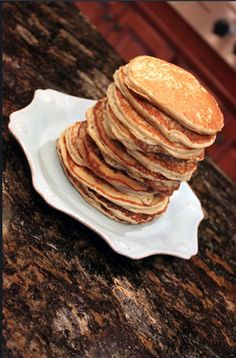 Banana-Oatmeal Pancakes - The Subtle Statement #healthy #vegan #gluten-free