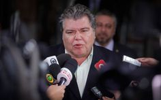 O ministro do Meio Ambiente, Sarney Filho, em entrevista à imprensa (Foto: Lincon Zarbietti / O Tempo / Ag O Globo)