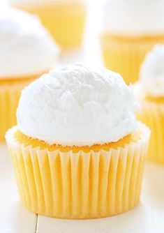 These cupcakes are easy enough to do and have a really wonderful citrus flavor. Pair these cupcakes with a Vanilla Buttercream or use Whipped Topping. No matter what you do, these homemade Orange Creamsicle cupcakes are sure to impress! Cherry Limeade Cupcakes, Orange Cupcakes, Yummy Cupcakes, Best Cake Recipes, Cupcake Recipes, Cupcake Cakes, Dessert Recipes, Cup Cakes, Cupcake Ideas