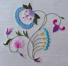 Wonderful Ribbon Embroidery Flowers by Hand Ideas. Enchanting Ribbon Embroidery Flowers by Hand Ideas. Bordado Jacobean, Jacobean Embroidery, Simple Embroidery, Embroidery Applique, Embroidery Stitches, Flower Embroidery, Eyebrow Embroidery, Embroidery Digitizing, Embroidery Tattoo