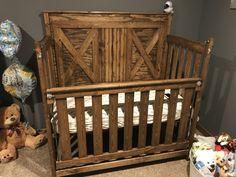 Nursery: rustic baby cribs for modern nursery room ideas Rustic Baby Cribs, Rustic Baby Rooms, Wooden Baby Crib, Rustic Crib, Baby Crib Diy, Wooden Cribs, Best Baby Cribs, Unique Baby Cribs, Country Baby Rooms