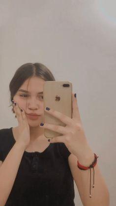 Stylish Girls Photos, Girl Photos, Pretty Selfies, Snap Girls, Fake Girls, Cute Girl Face, Foto Casual, Bad Girl Aesthetic, Fake Photo