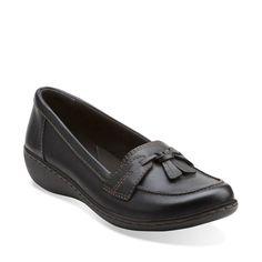 Ashland Lane Q Black - Women& Comfortable Shoes - Clarks® Shoes Official Site Leather Shoes, Black Leather, Shoes Sandals, Dress Shoes, Tassel Loafers, Womens Flats, Comfortable Shoes, Clarks, Oxford Shoes