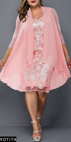 Cute Casual Plus Size Dress for 2019 Frauenmode Dress Plus Size, Plus Size Outfits, Mode Outfits, Fashion Outfits, Plus Size Wedding Guest Dresses, Elegantes Outfit, African Fashion Dresses, Tee Dress, Elegant Dresses