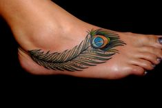 Best Small Tattoo Placement Ideas for Female – Tattoo Styles & Tattoo Placement Peacock Feather Tattoo Meaning, Feather Tattoo Foot, Peacock Tattoo, Feather Tattoo Design, Peacock Feathers, Foot Tatoos, Tattoo Plume, Tattoo Platzierung, Tattoo Motive