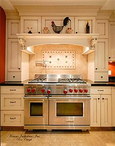Well, De Colores - its a rooster kitchen - I could love cooking in a kitchen like this
