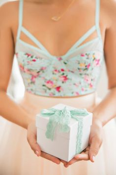 Minty green | light turquoise | gift, ribbon, fashionable top