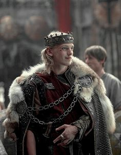 Jamie Campbell Bower as Jezal dan Luthar Fantasy Armor, Medieval Fantasy, Fantasy Inspiration, Character Inspiration, Story Inspiration, Roi Arthur, King Arthur, Jamie Campbell Bower, High Fantasy