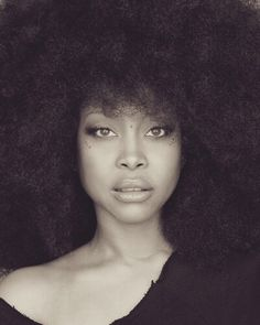 return-of-foreverr:  fvckc:  thruheadphones:  Yes I have a crush on badu  More of an infatuation  My honey dip..