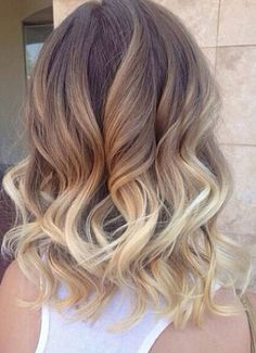 Ombre hair color trend is still popular among women of all ages, sports many celebrities blonde ombre short hairstyles too! So here are Blonde Ombre Short Hair Color Ideas that you want to try fast… Hair Styles 2016, Curly Hair Styles, Medium Hair Styles For Women, Short Hair Cuts For Teens, Ombre Hair Color, Blonde Color, Hair Colour, Pretty Hairstyles, Medium Hairstyles