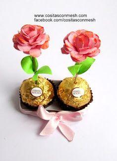 Rositas de cartulina con chocolates para el día de la madre ~ cositasconmesh Rayman Origins, Mom Day, Love Mom, Place Card Holders, Chocolates, Creative, Gifts, Diy, Food